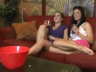 Fabulous Brunette, Cunnilingus sex video