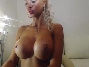 blond,large milk shakes