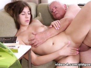 Hottest pornstar in Fabulous Oldie, College sex clip