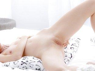 Beautiful porn video clip of Eva toying her twat