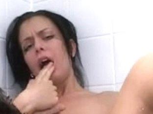 Throatfuck in the washroom