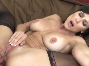 Keiran Lee enjoys in steaming hot session with Kendra Lust