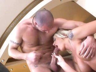 Backstage video with sexy blonde Sarah Simon