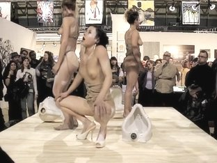 Naked on Stage-023 N5