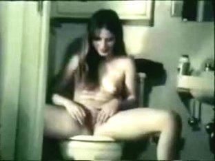 brunette shaves her bush on toilet and blows boyfriend
