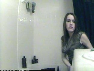 Spy girl peeing
