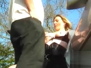 Dogging wife takes on lots of strangers and gets them off