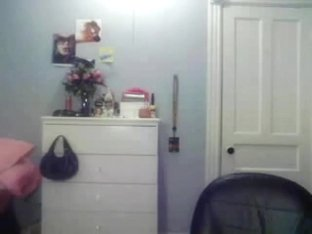 Cheating On Her BF Thru Webcam