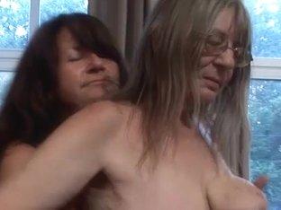 Gusti Tschopp,Gerti Berg in FunMovies video:OldLady Lesbians