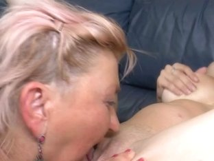 Four old and youthful lesbos have a sexparty