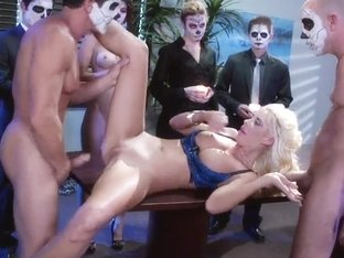 Courtney Taylor gets dp'd during a party