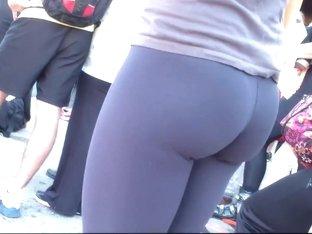 Spying a beautiful girl in tight pants