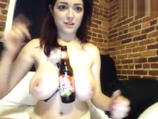 TessaFowler: She uses her boobs to hold a variety of objects