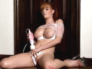 Tarra White is going to play with vibrator