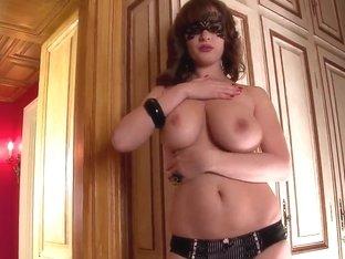 Arousing busty milf LaTaya Roxx in lingerei teases