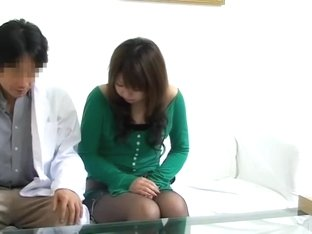 Free voyeur movie with japanese broad drilled at the clinic