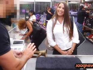 Sizzlin hot babe sells her pussy and pounded in the pawnshop