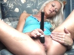 The Female Orgasm: Layla Pink in the Chair