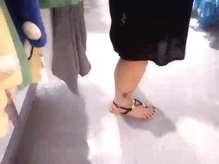 Public Feet 25
