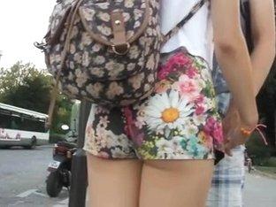 Flower shorts booty