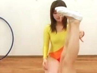 Schoolgirls acquire facial cumshots in unusual style