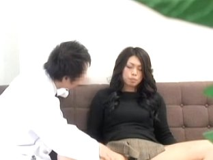 Perfect Japanese gets her fur pie rubbed during a pussy exam