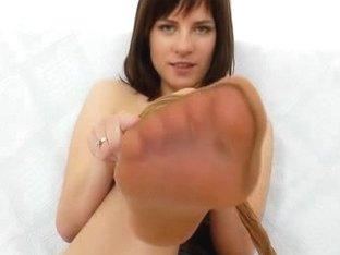 Leony hot nyloned legs and naughty pantyhose fetish