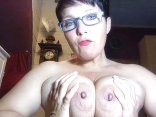 I am posing on webcam in this huge tit amateur vid