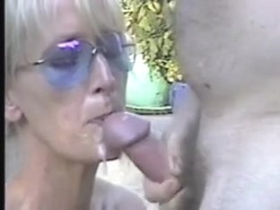 Wifes 1st oral stimulation on camera