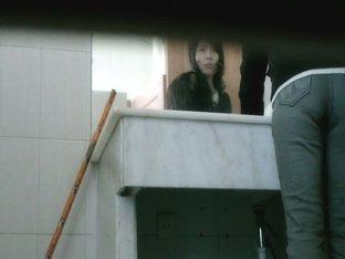 Petite asian brunette hidden piss cam