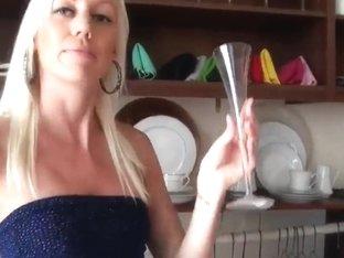 Man seduces this blonde milf to have sex