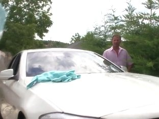 Aletta Ocean washes a car of David Perry