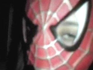Chick masked as spidergirl swallowing a hard schlong