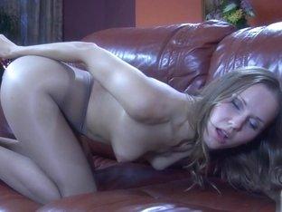 NylonFeetLine Video: Bessy