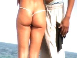 Her bikini gave him a boner