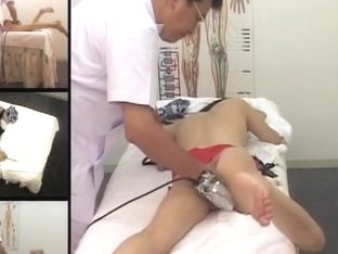 Hot spy cam massage clip with an awesome Asian lady