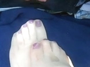 cumming on nylon toes