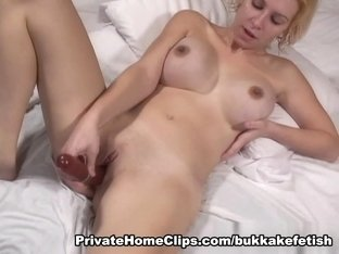 Jizzed And  Blondie