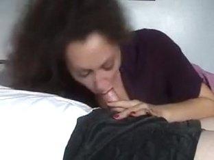 Experienced hawt lady sucks ramrod.