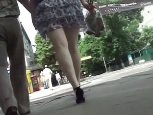 Chubby ass babe with wavy short skirt