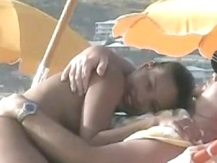 Filipina girl shows her nude body in this beach voyeur movie