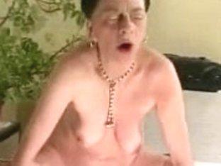 Ugly Granny R20