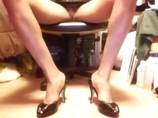 Sexy Black Open-sided Peep toe high heels and upskirt
