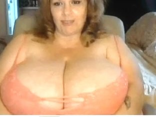 Getting hot, teasing in bra in homemade mature sex vid