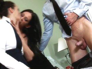 Pretty pornstar prefers to take part in threesome action