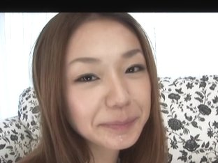 Licking addict Sakura Hirota gives a sensual blowjob