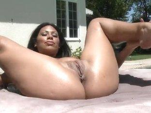 Latina in bikini Cassandra Cruz poolside fucking