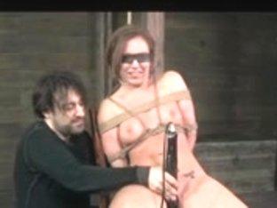 Slavegirl session with ropewalk