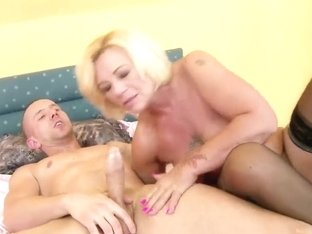 Hot grandma Orhidea is doing a fine job at sucking and fucking