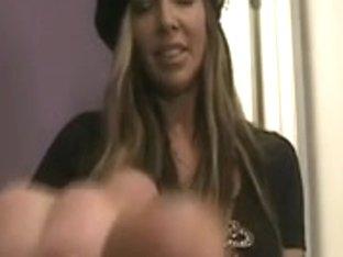 female-dominator jenna feet - no sound
